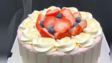 """""""新老式结合""""的蛋糕裱花法,这过程,看着就舒服"""
