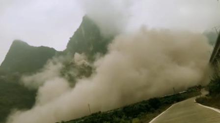突发!桂林阳朔高铁站附近发生大面积山体崩塌