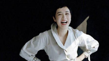 蒋雯丽为某杂志拍摄广告,50岁依旧很美,难怪顾长卫那么爱她