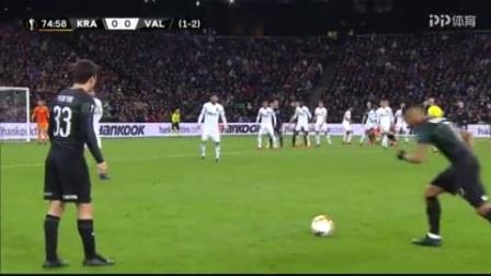 第76分钟克拉斯诺达尔球员斯托茨基射门