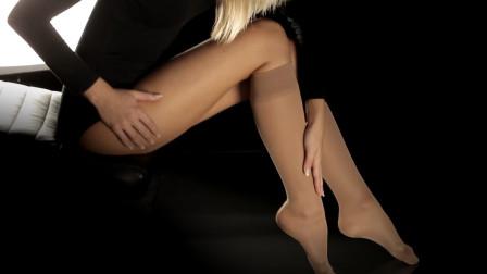 外国美女穿弹力膝高丝袜,撕不破