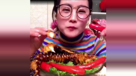 美女吃播:大口啃大龙虾,面包蟹,章鱼足,她怎么这么能吃!