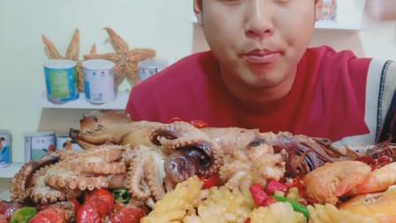 海鲜美食直播,满满一桌子的海鲜,看起来就馋人!