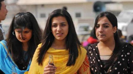 印度美女来中国玩,回国之后大骂印度媒体,中国一点都不比印度差