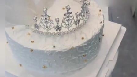 """这是我见过""""最舒服""""的蛋糕抹面法,完成后的这凌乱"""