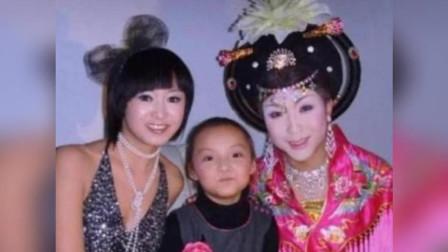 她4岁就出道,6岁上星光大道挑战李玉刚,长大后颜值惊艳