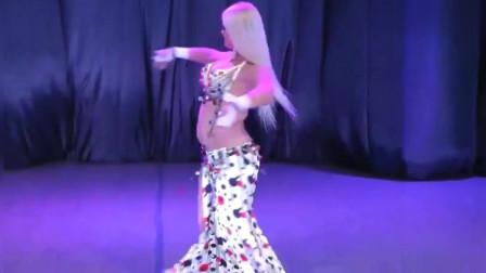 肚皮舞:金发美人的肚皮舞精彩片断!跳得太惊艳了,我也就看了几十遍!