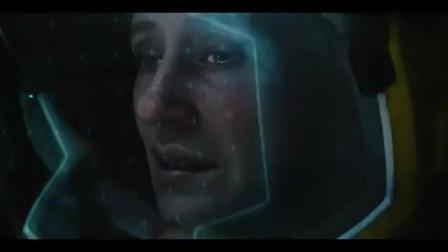 宇航员在太空作业意外被螺丝撞击,氧气不足自断手臂自救!