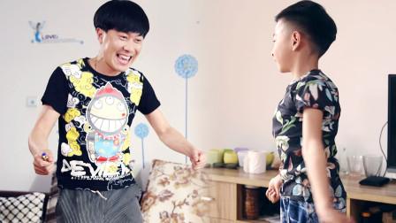 陈翔六点半:父亲鼓励孩子在家玩烟花,目的让人哭笑不得!