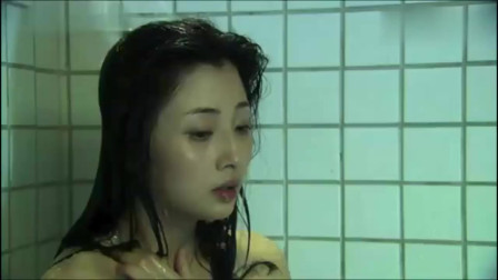 爱了散了:美女在家洗澡,老公不太给力,只能靠吃药维持生活