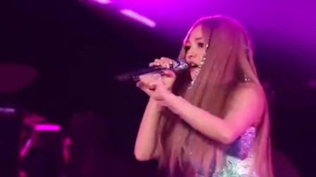 张韶涵一首《我的最爱》音乐一响起,众人跟着一起大合唱