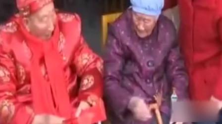 弟弟过百岁生日 102岁姐姐送红包上门:祝他生日快乐