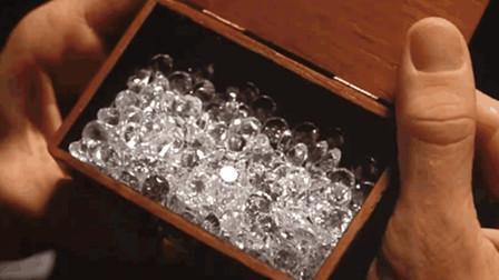 监狱地底下藏有钻石,小伙想尽办法坐牢,利用信鸽一颗颗运了出去!