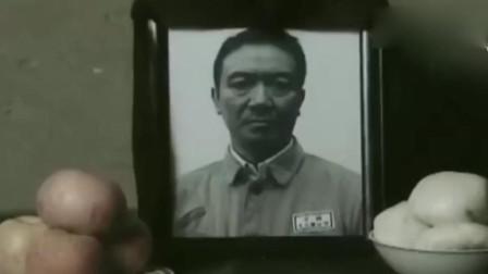 亮剑:李云龙去世,首长亲自去家里看望,敬礼李云龙!