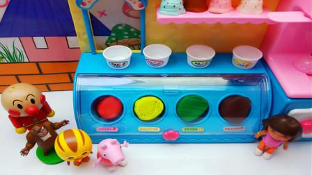 朵拉冰激凌店开张,佩奇麦琪排队来买冰激凌