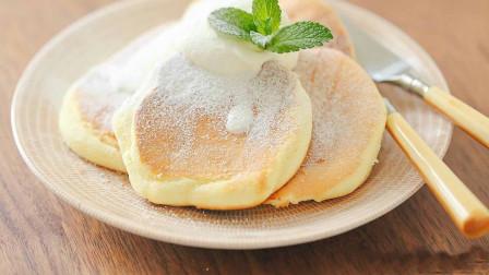 自制舒芙蕾松饼,不用烤箱,香甜松软,看完你也会!