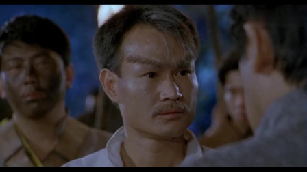 林正英非常经典的鬼片,妖物生饮蜥蜴血,真的很吓人