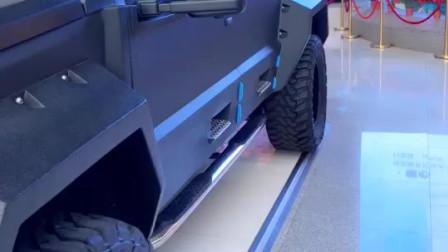 被起亚干残的乔治巴顿原来真的是防弹车