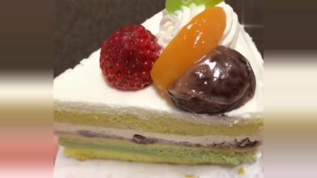 抹茶红豆蛋糕,口感细腻,很多层,喜欢抹茶的可以尝试一下