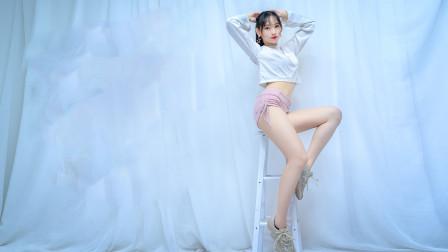 这舞蹈我看了无数次,这妹子的版本腿最长