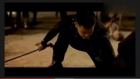《夺帅》吴京用汉剑砍人删减片段,好不容易才找到,太血腥了