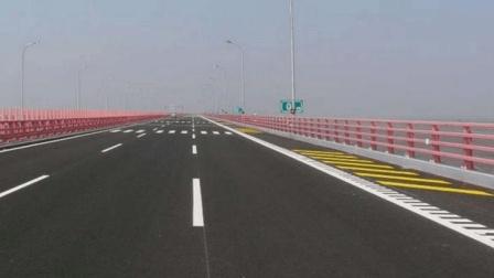 新手开车上路前先把这几种道路标线弄明白, 否则上路也会被扣分