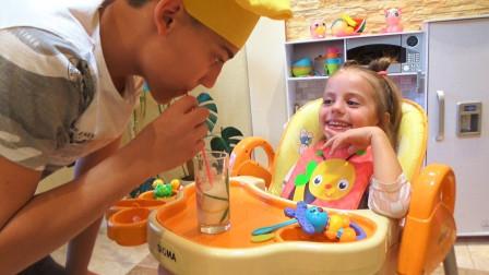 咋回事?为什么萌宝小萝莉只喝牛奶不吃主食呢?趣味玩具故事