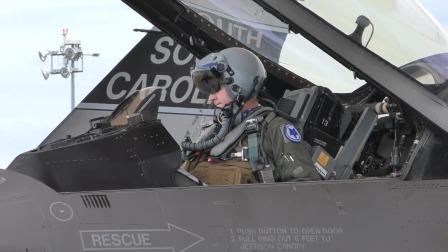 高清视频:近距离围观f16战斗机重装起飞