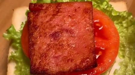 早餐三明治:不用再去面包店买了,三明治的最新做法