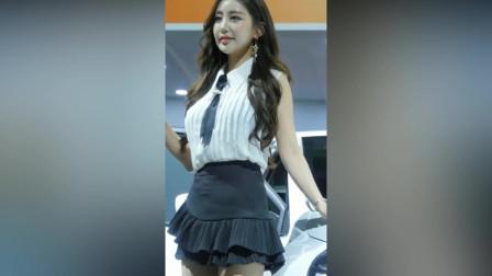 这位韩国模特火了,未语人先羞,那一抹笑颜萦绕我心头