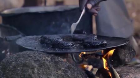 """10万只蚊子做成""""汉堡包"""",非洲人当下饭菜,营养价值极高!"""