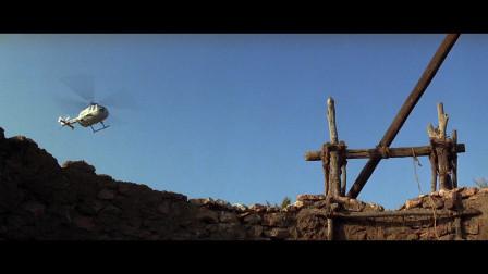 被低估的一部007老电影,场面一流,可惜叫上名的不多