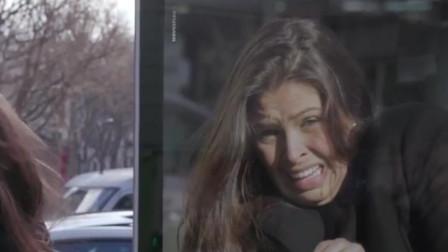 法国人超爱闯红灯,巴黎政府看不下去了!在路边立了个特别广告牌!