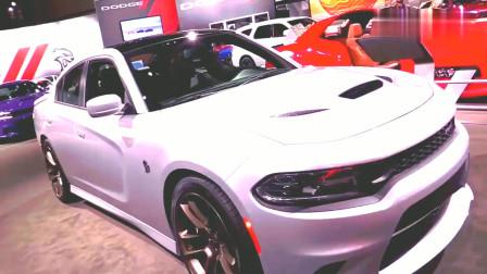 2019款道奇Charger SRT地狱猫外观展示,纯白色车身!