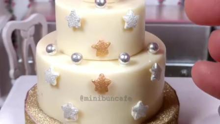 迷你白巧克力圣诞树装饰蛋糕,小小厨房真实烹饪过程!