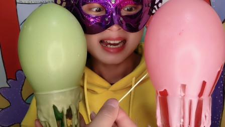 妹子吃气球巧克力,扎破气球巧克力还会完整吗?薄脆又香甜超棒