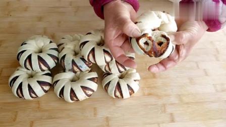 农村妈妈教你做豆沙卷,香甜松软,美味可口,比面包还好吃!