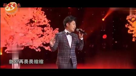 我天!时隔18年孙耀威再演唱《太多》一夜爆红,多少70后80后听哭了