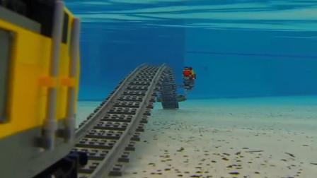 乐高火车水下行驶画面有多美?老外制作水下轨道,网友:童话世界