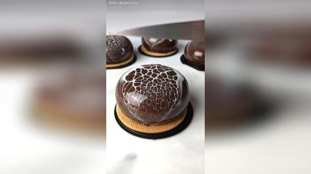 豹纹淋面系 巧克力慕斯 百香果乳酪夹心……