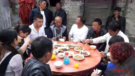 贵州农村人家办酒,一桌简单的菜,一首好听的歌曲