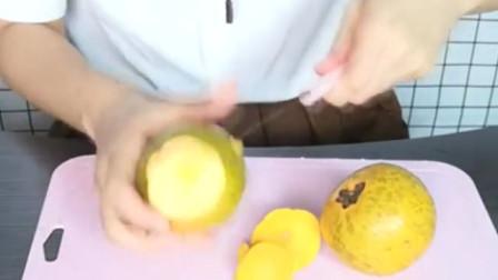 吃货妹子测评奇怪的水果,没有一丝水分,吃起来还是苦的!