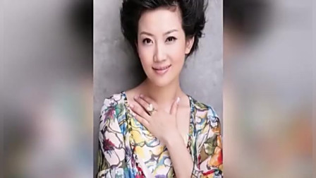 央视第一美女主持人,比董卿漂亮也不输周涛,如今岁至今未嫁!