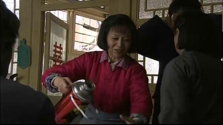 儿媳新婚头天,帮婆婆做早饭,婆婆直接当甩手掌柜,结果饭糊了