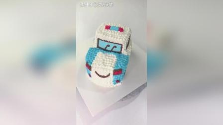 一个裱花嘴就可以轻松制作出一款卡通汽车蛋糕哦! 学起来吧!