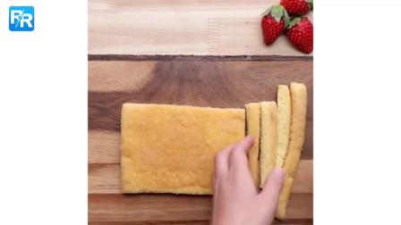 简单又可爱!点缀餐桌的圣诞蜡烛草莓蛋糕卷