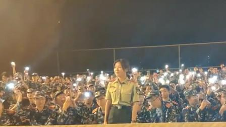 最近这个军训视频火了,音乐一响,我就知道教官小姐姐不简单!