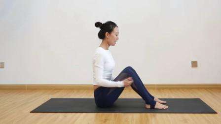 女人一定要练习瑜伽!适合初学者在家练的体式,改善体态提升气质