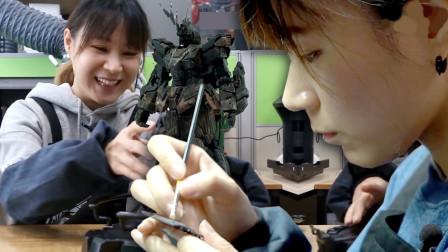 美女与高达!这个韩国妹子用木头做出了惊艳的高达模型