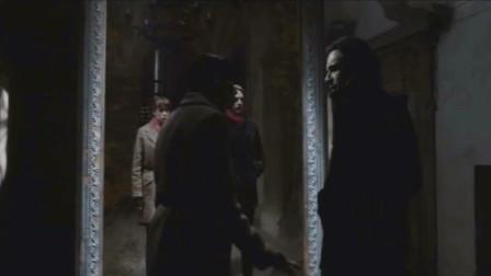 小伙在地下室发现一面镜子,打碎之后,诡异的事发生了